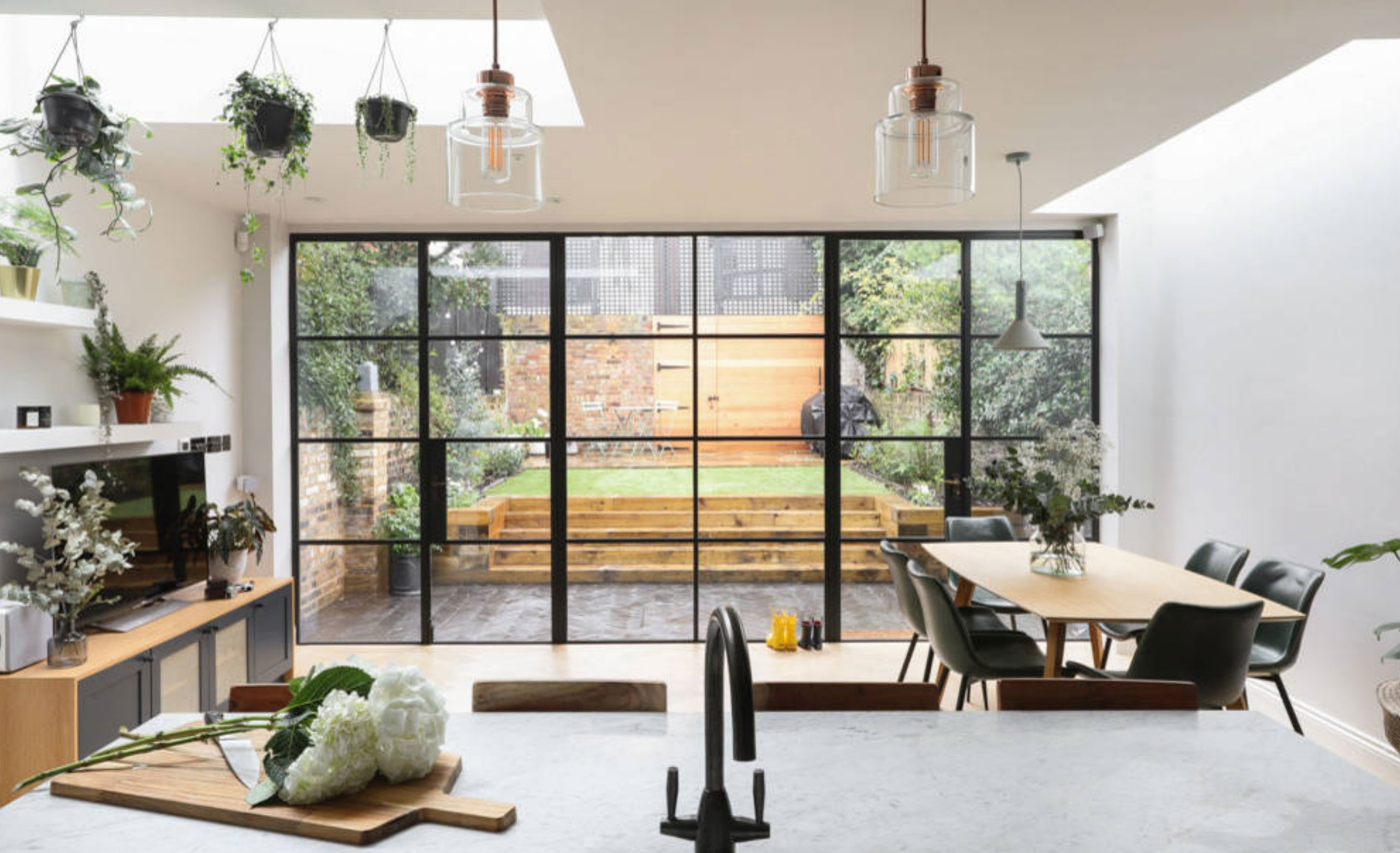 Crittall Doors flood this airy extension with light