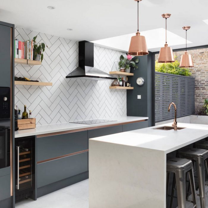 Splashbacks Good with a Dark Blue Kitchen